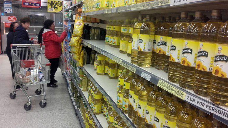 Aseguran que no hay faltante de aceite en los supermercados
