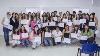 Más de 50 personas completaron los cursos completos.