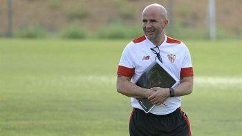 Jorge dijo que sería desprolijo irse de Sevilla. Pérez viajará a Europa para verlo, también a Berizzo.