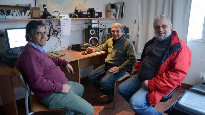 En el Radio Club Neuquén (LU 1 YY)