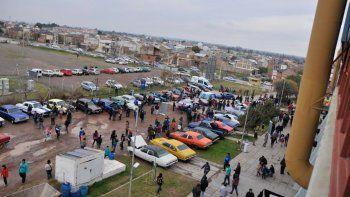 Los autos fueron protagonistas de este evento solidario.