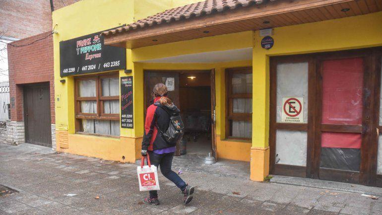 Encapuchados se llevaron la caja fuerte de una pizzería