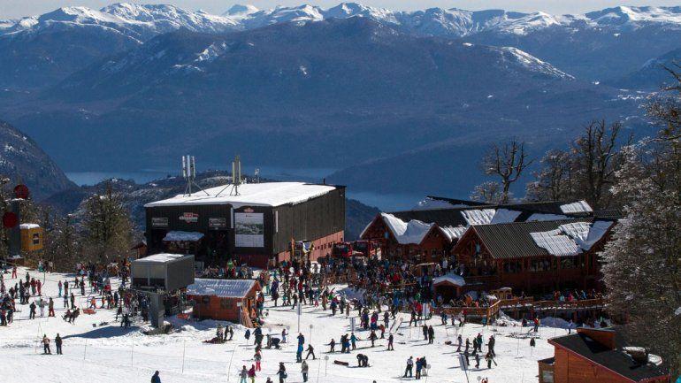 Miles de turistas disfrutan de las actividades que propone Chapelco.
