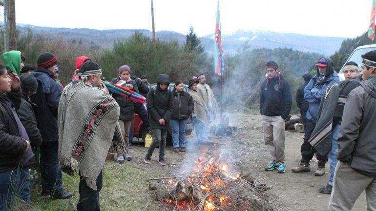 Protesta Comunidad Curruhuinca en Chapelco.
