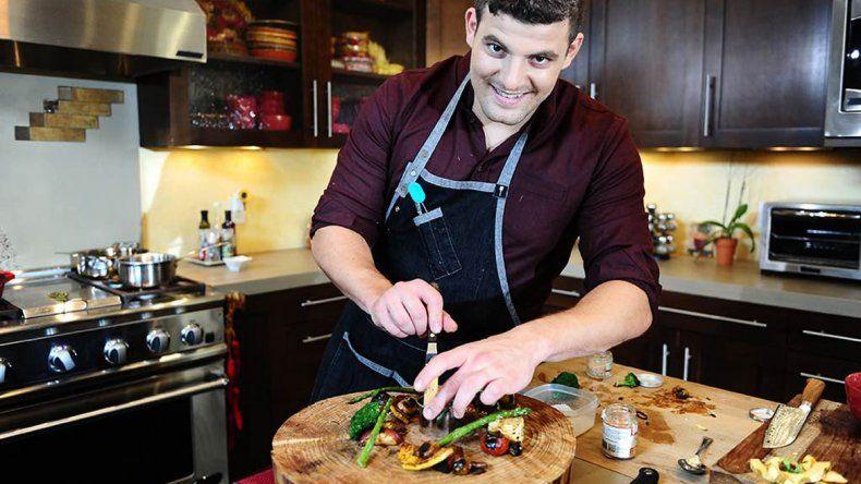 Christopher Sayegh es el dueño del restaurante The Herbal Chef.