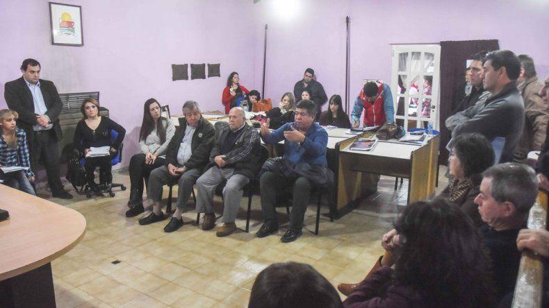 Los pequeños empresarios y comerciantes se reunieron para pedir la intervención del Concejo Deliberante.