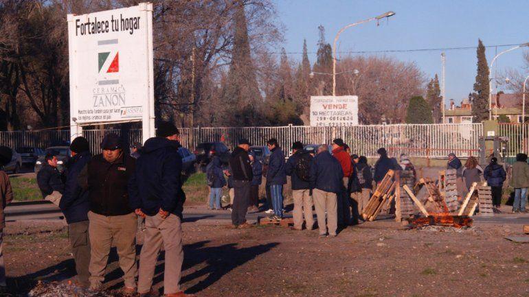 Tras cinco horas de protesta, los trabajadores de Fasinpat levantaron el corte en la Ruta 7