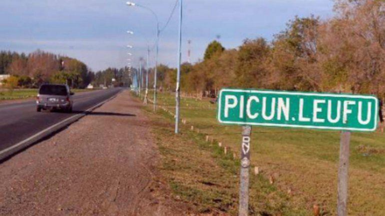 Picún Leufú: denuncian abandono y cortan totalmente el tránsito