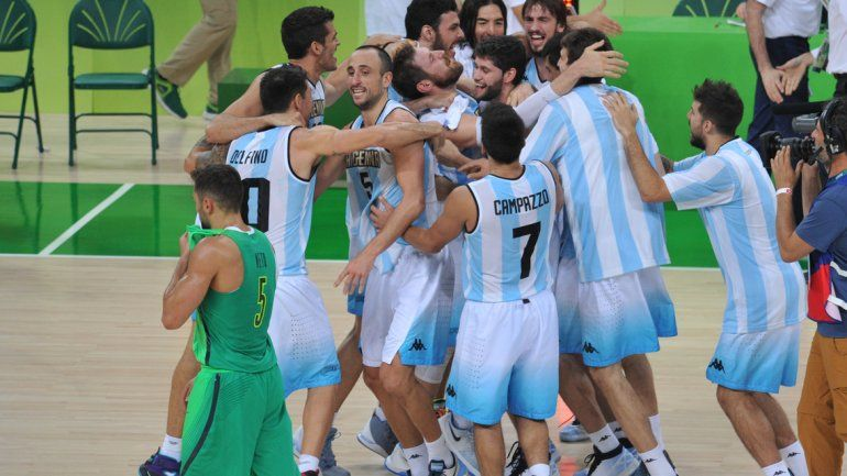 Triunfazo de la Selección de básquet ante Brasil