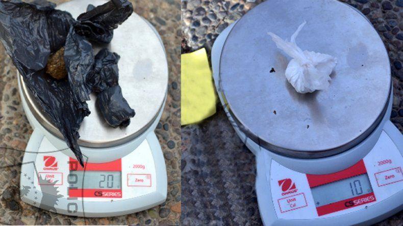 Motociclista intentó escapar de un control policial y lo detuvieron: llevaba marihuana y cocaína