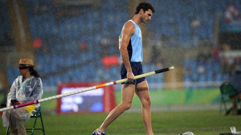 El atleta argentino Germán Chiaraviglio no pudo pelear por el podio en el salto con garrocha