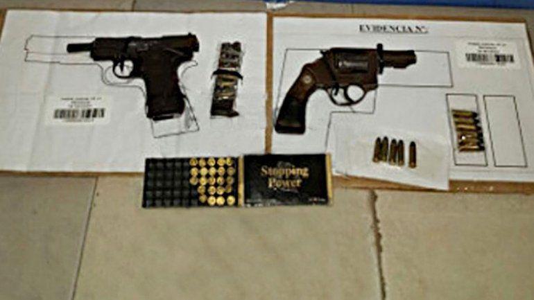 Los revólveres secuestrados durante un procedimiento en Sapere.