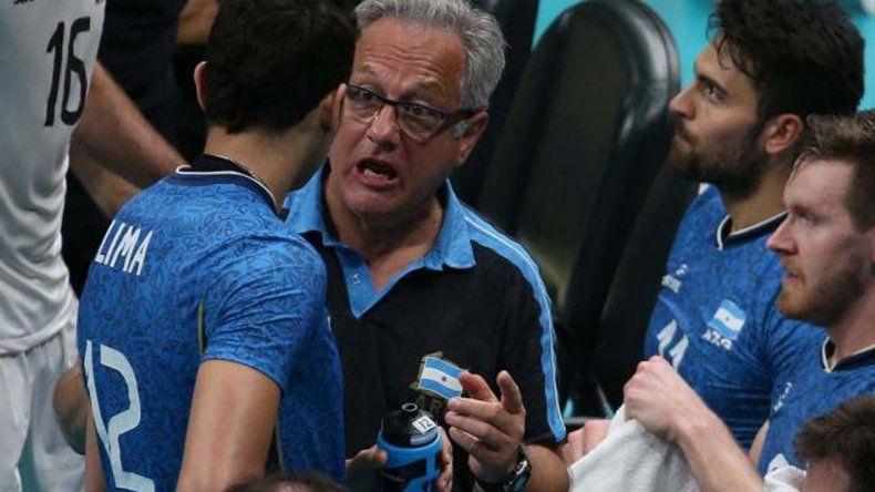 Velasco seguirá al frente de la selección de voleibol
