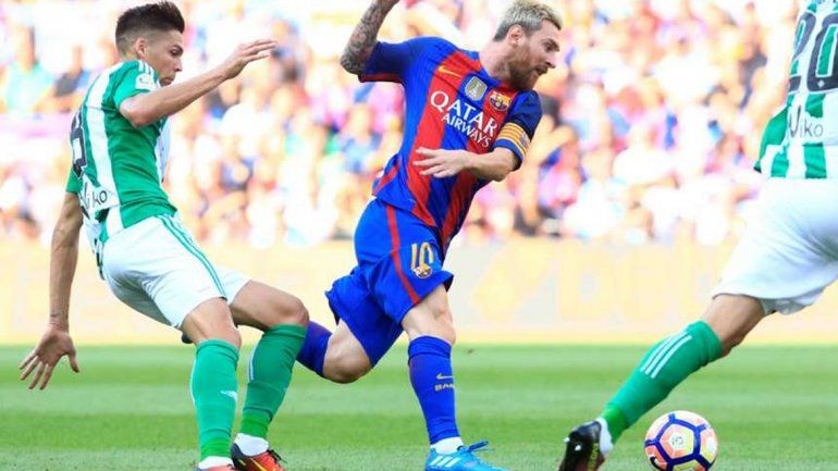 Messi empezó la Liga con un doblete en la goleada a Betis