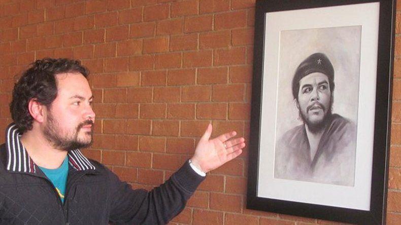 Uno de los consejeros del Maule quiere colocar un cuadro de Augusto Pinochet en lugar del Che Guevara.