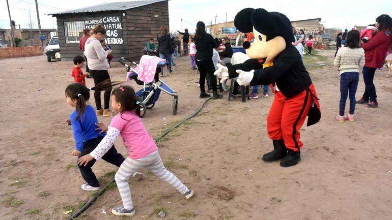 Los chicos jugaron y se divirtieron en los festejos del Día del Niño