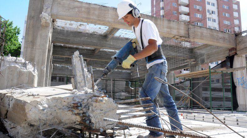 La construcción fue una de las actividades que cayó en estos meses.