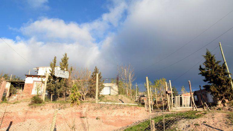 Las familias del asentamiento llevan más de una década intentado conseguir el título de propiedad de sus casas.