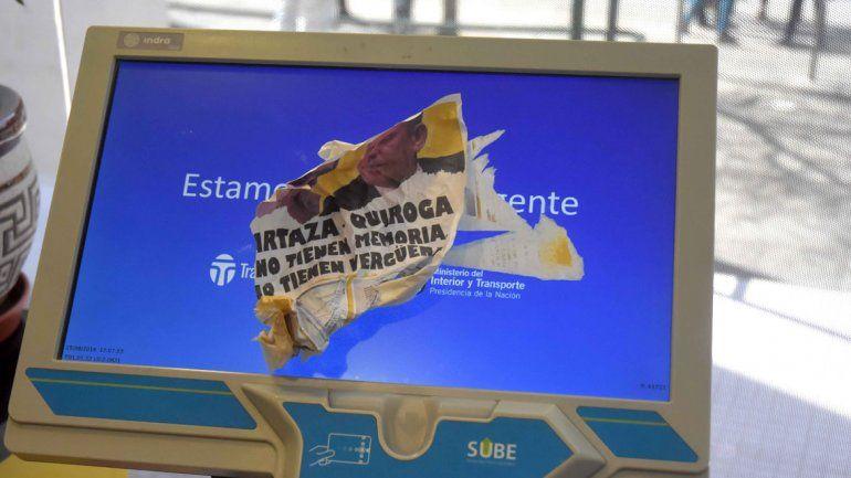 ATE se metió de prepo al edificio municipal y arrojó panfletos contra Quiroga y Artaza. Piden frenar el traspaso municipal a las obras sociales privadas.