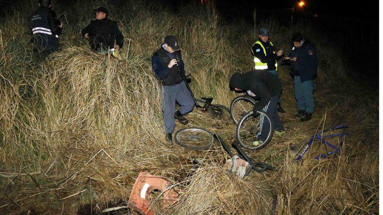 Habían enterrado el botín robado, pero los descubrieron