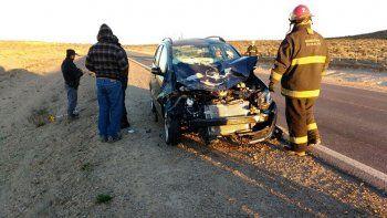 Dos heridos al chocar contra un caballo suelto en Ruta 22