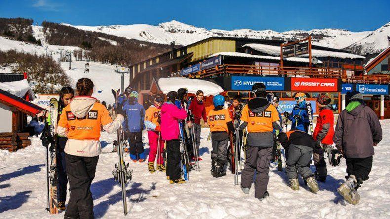 Más de cien alumnos de San Martín de los Andes esquiaron por primera vez