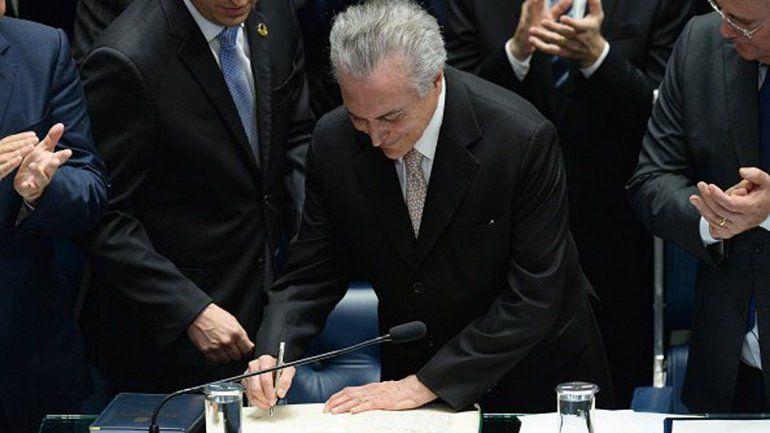Cayó Dilma y Michel Temer asumió la presidencia