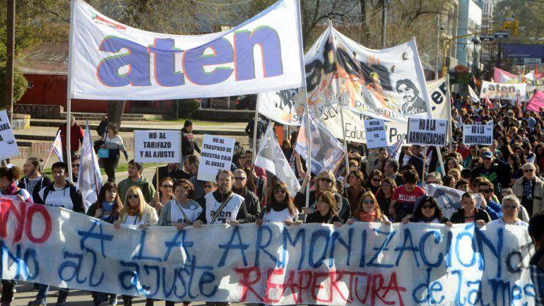 El gremio ATEN volverá a movilizarse hacia la Casa de Gobierno.