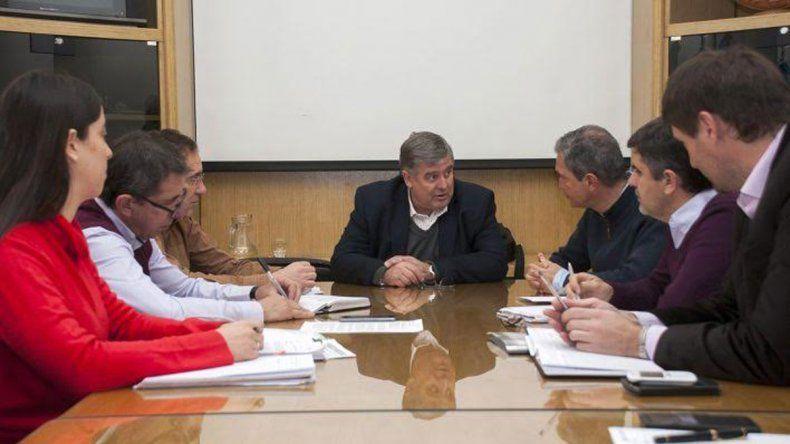 Funcionarios del gobierno provincial y del municipio