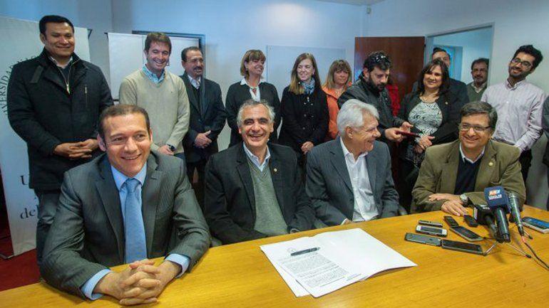 Gutiérrez entregó 1.500.000 pesos para la Facultad de Economía