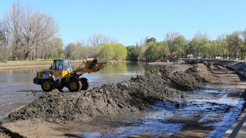 Los trabajos de limpieza del río comenzaron esta semana.