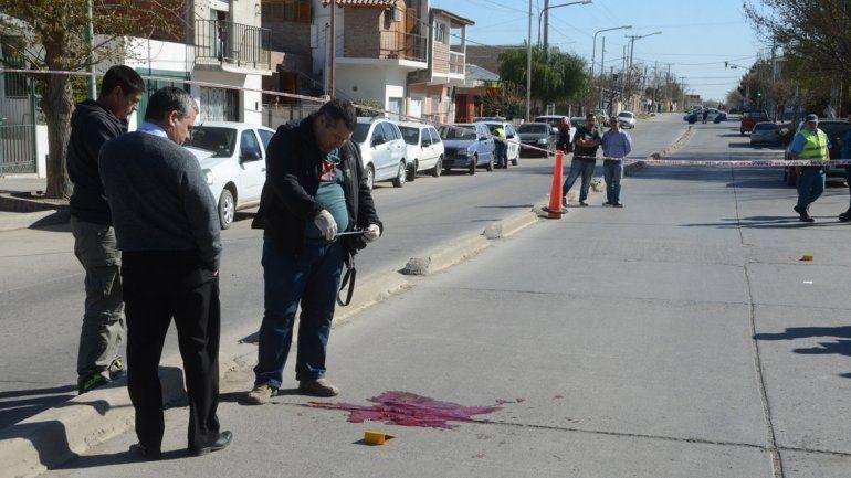 La escena del crimen en calle Antártida Argentina casi esquina Colón.