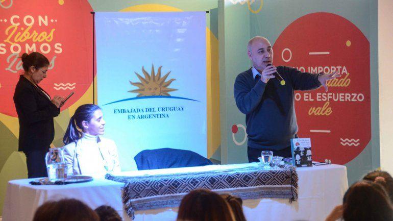 El escritor Fernando González participó del evento literario neuquino.