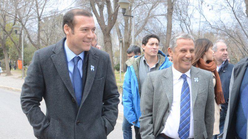 El gobernador y el intendente alternan la buena onda de cuando se ven con una creciente rivalidad política.