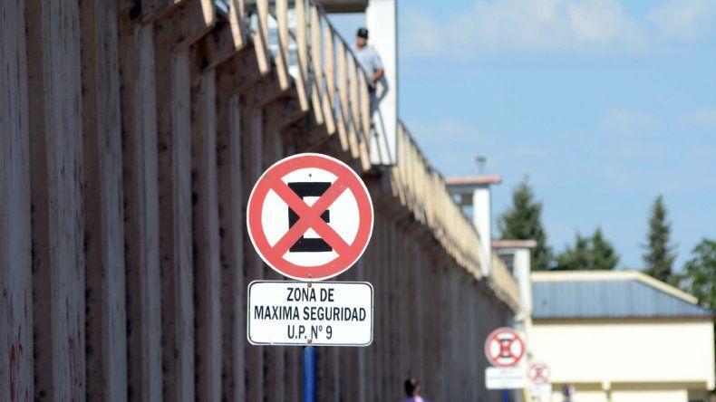 Trasladarán a 20 presos de la U9 por posibles casos de tuberculosis