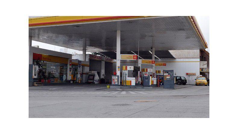 Shell analiza vender las 600 estaciones de servicio en Argentina