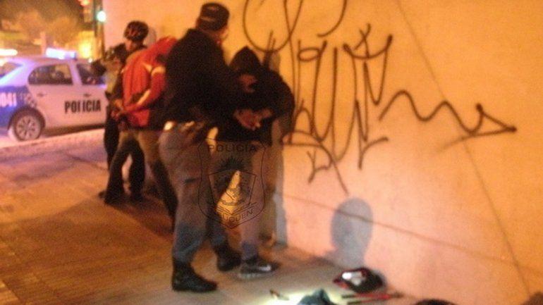 Fueron detenidos con un arma de juguete en el centro