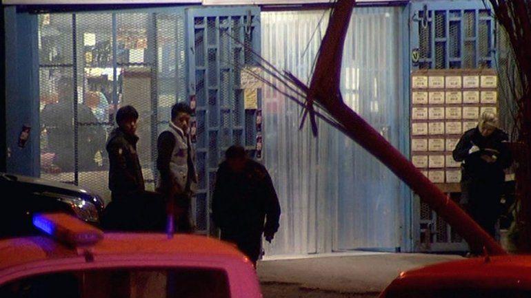 Murió un policía tras ser baleado en la cabeza en un supermercado