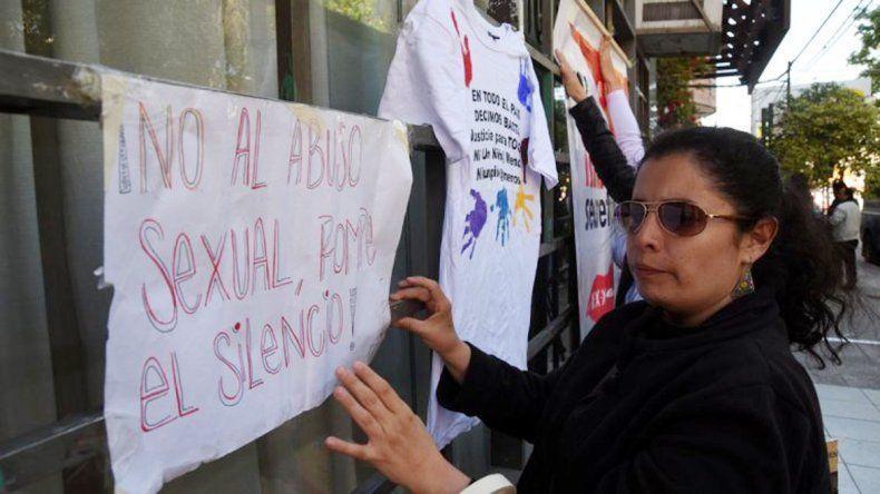 Muestras de apoyo de las organizaciones sociales a las víctimas de abuso.