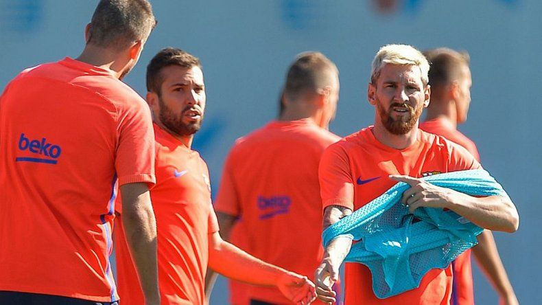 Messi dejó atrás sus dolores y estaría de nuevo entre los 11.