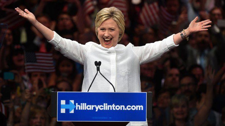 La candidata demócrata volvería el viernes a su actividad proselitista.