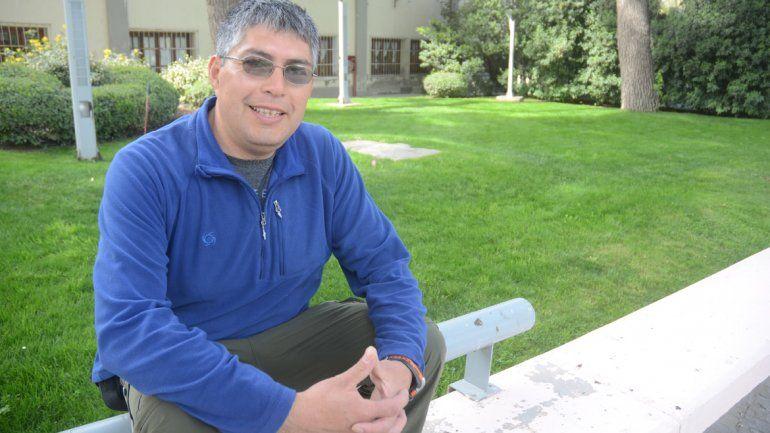 Desde hace 20 años que Adrián es maestro rural de alta montaña. Su dedicación finalmente fue premiada.