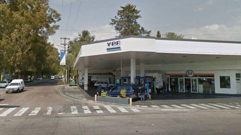 Un playero roció con nafta a un ladrón que intentó asaltarlo