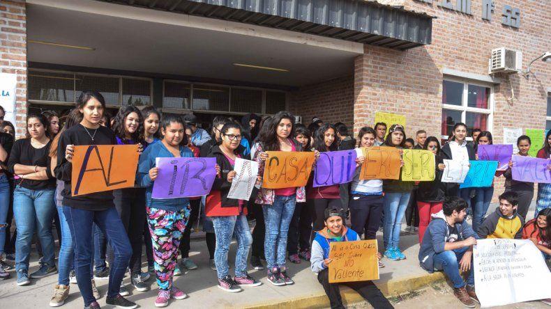Tras el intento de rapto de una alumna, reclaman por mayor seguridad en Plottier