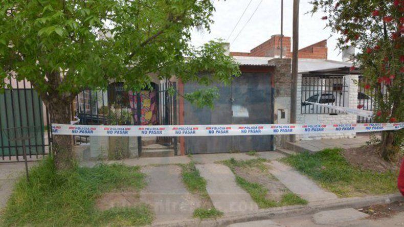 María Urroz llegó a hablar con el 911 y mientras daba detalles se desvaneció. Cuando llegó la ambulancia era tarde.