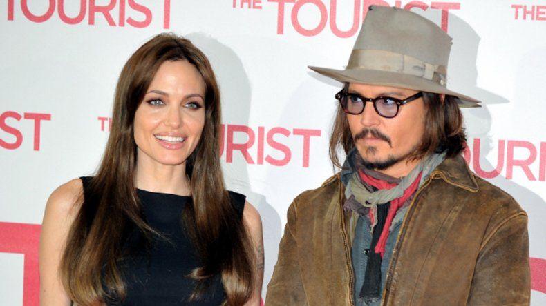 Depp le habría aconsejado contratar a la abogada Laura Wasser.