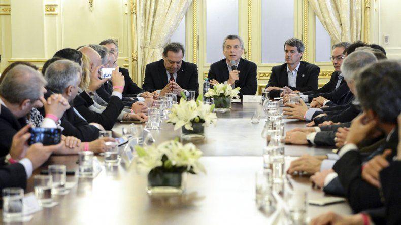 El mandatario realizó el anuncio al término de la reunión de Gabinete