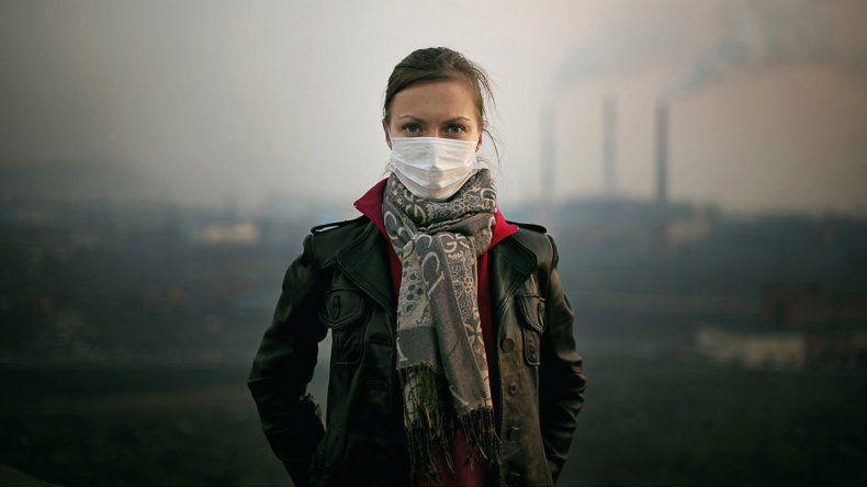 La Organización Mundial de la Salud agrega que la contaminación que se produce en los espacios interiores es tan peligrosa como la de los exteriores.