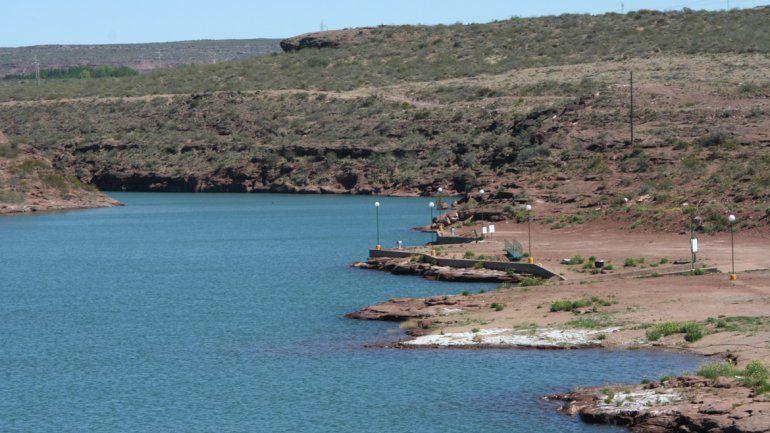 La floración de las algas es un proceso natural que se da en los lagos.