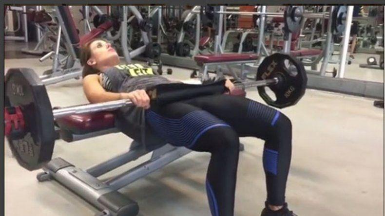 Jésica Cirio revolucionó Instagram al mostrar cómo trabaja su cola en el gym.